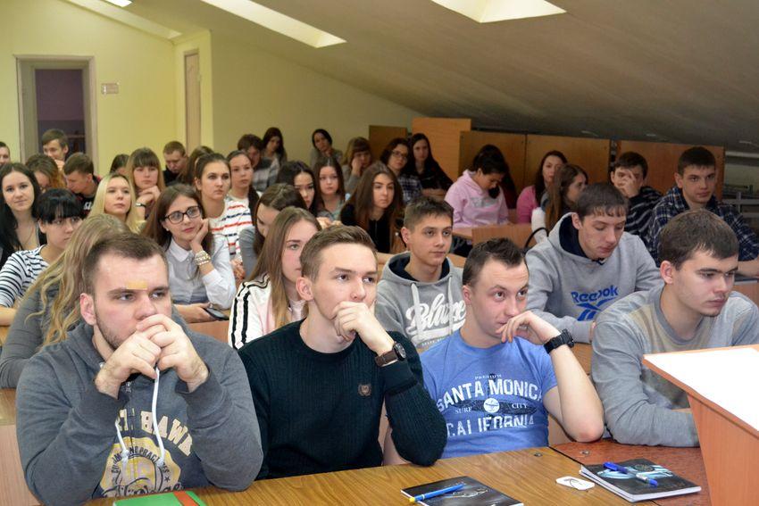 Студенты колледжа на встрече с депутатом