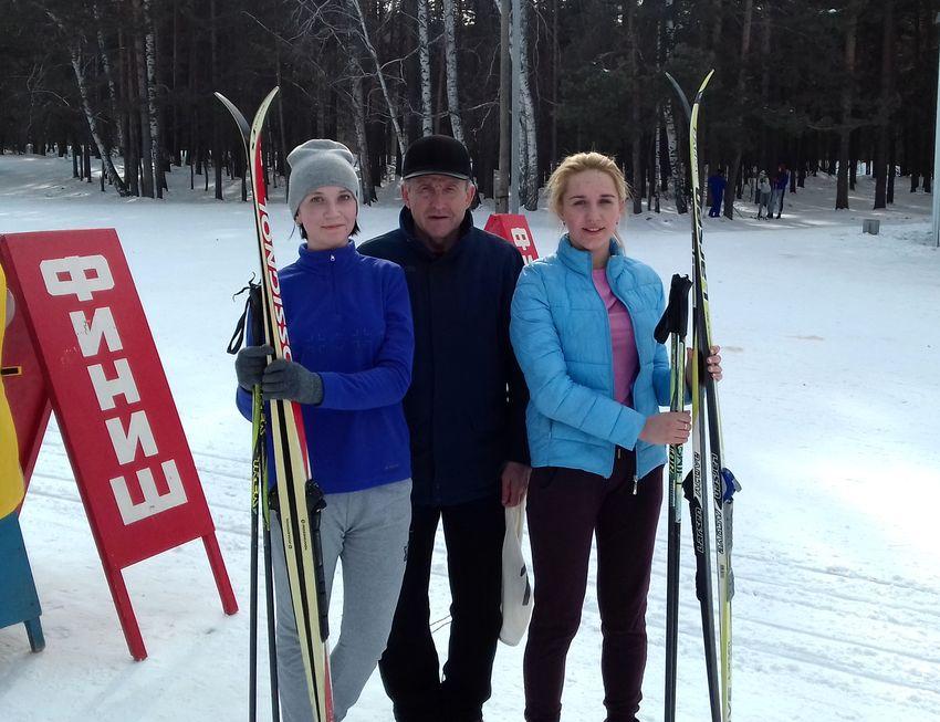 Встречаем чемпионов ! Лыжные гонки
